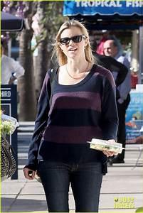 Amy Smart Pregnant