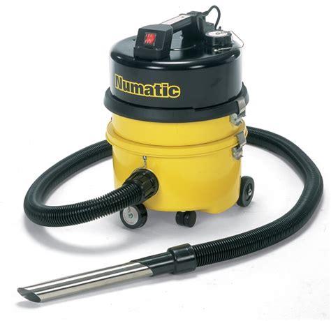 type  vacuum cleaning equipment   hire
