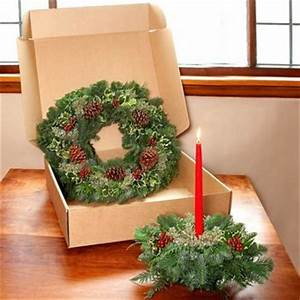 Costco Teufel Fresh Holly Wreath