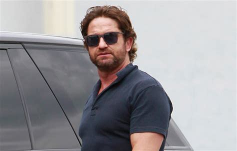 gerard butler flaunts buff biceps  coffee outing