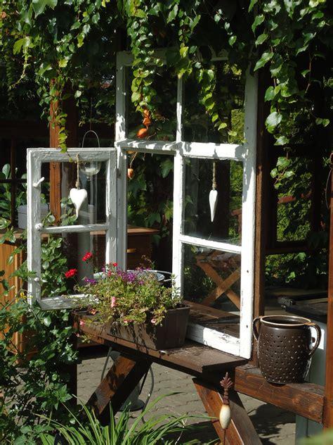 Alte Fensterrahmen Gestalten by Gartenk 252 Chenfenster Alte T 252 Ren Und Fenster Garten Deko