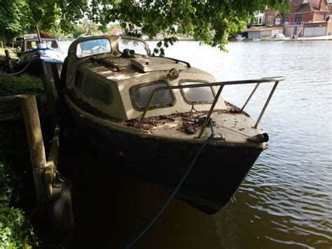 20 Foot Boat With Cabin by Mayland 20 Foot Cabin Cruiser Boat For Repair For Sale For