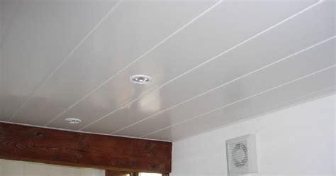 plafond pour la cmuc poser du lambris pvc au plafond