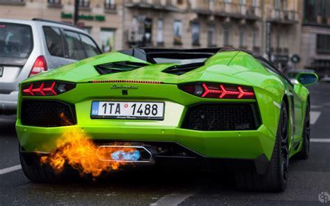 ランボルギーニ・アヴェンタドール、火災が発生する可能性あり!リーコル対象に! 車の大辞典cacaca