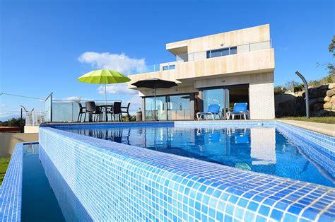 spacieuse et moderne villa a lloret de mar avec piscine priv 233 e et magnifiques vues sur la mer