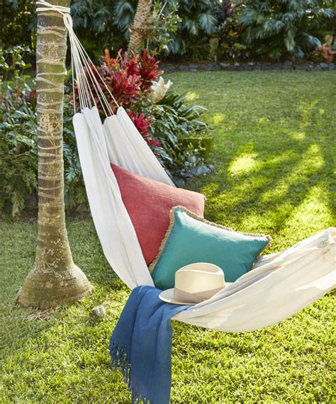 Your Own Hammock by How To Make Your Own Hammock Better Homes And Gardens