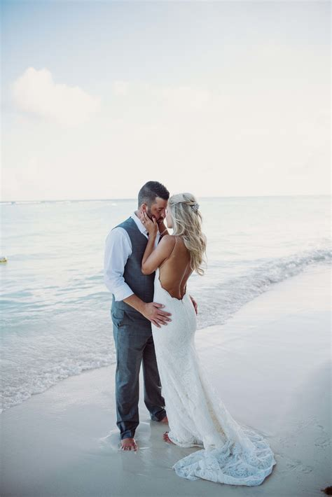 perfect destination wedding     beach