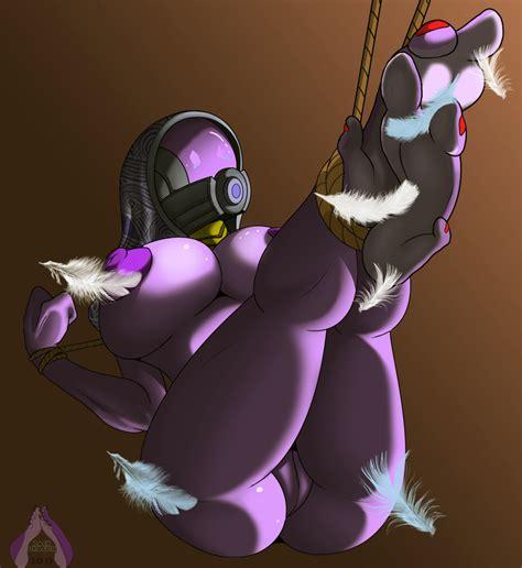 Rule 34 1girls 2012 3 Toes Alien Armor Big Breasts