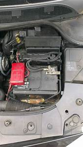 Batterie Renault Megane : batterie clio 2 renault clio mk2 battery location 172 182 youtube car battery for renault clio ~ Gottalentnigeria.com Avis de Voitures