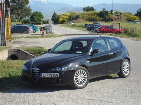 Alfa Romeo 147 3-door Au-spec Wallpapers