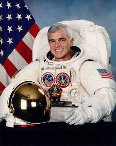 Astronaut Bio: Richard Clifford 1/97