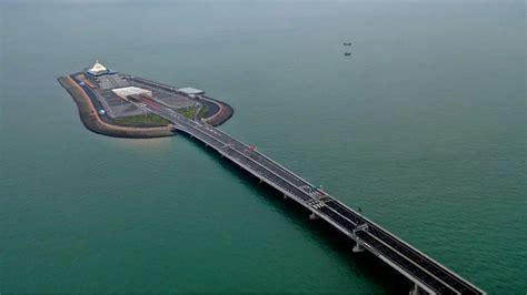 hong kong macau bridge hong kong zhuhai macau bridge the world s sea