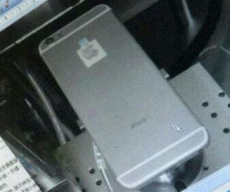 leaked photos of iphone 6 iphone 6 leaked photos show us its housing and design
