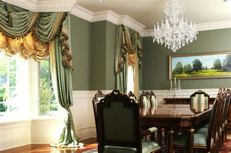 chicago drapery custom and luxury drapery in dining room in winnetka