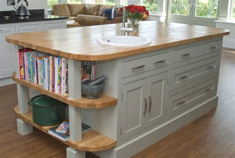 shaker style kitchen island 17 best images about beaded shaker style kitchen on pinterest window seats oak trim and