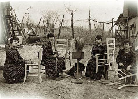 rempailleur de chaise photo 3emme sas sedie e tavoli pieghevoli da giardino