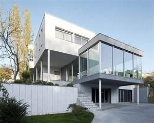 Clamart Glass House by Pavlos Pavlidis HomeDSGN