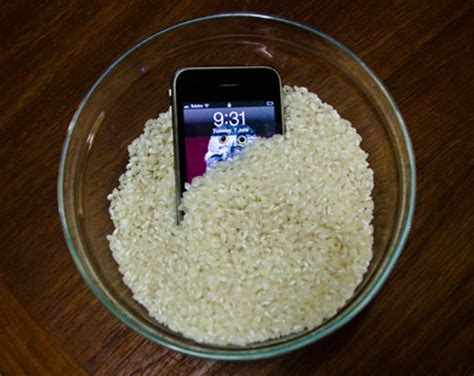 how do you leave your iphone in rice on it turn it and on again 7 foolproof ways