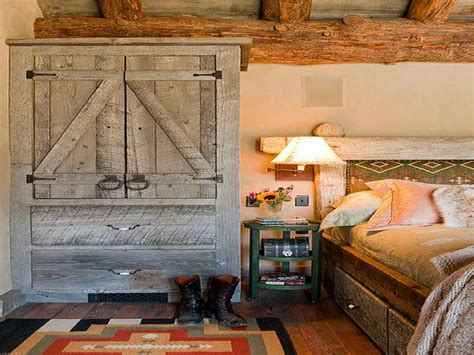 Country Bedrooms Ideas With Cozy Rustic