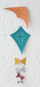 Deko Drachen Herbst : mobile mit fliegenden drachen als herbst deko bastelbogen zum prickeln deko mobiles zum ~ Markanthonyermac.com Haus und Dekorationen