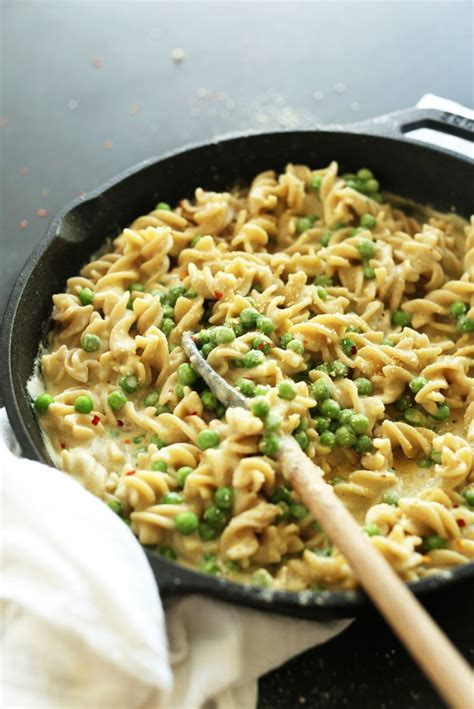 delicious dinner recipes vegetarian 17 vegetarian pasta dishes minimalist baker