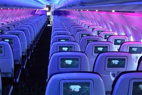 interieur avion american airlines delta air lines du wi fi sur les vols courriers