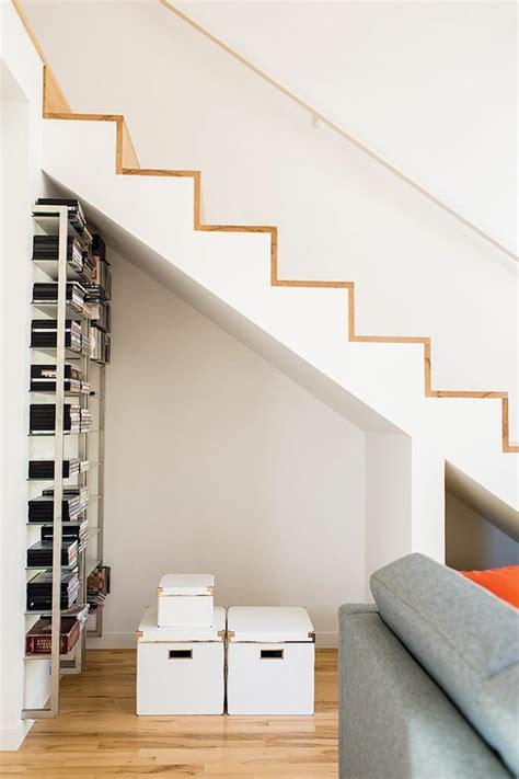 rangement sous escalier pour optimiser lespace