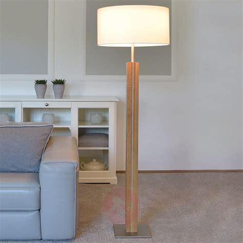 illuminazione da pavimento acquista lada da pavimento legno e tessuto bianco