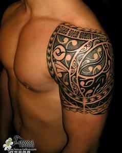 Tatouage Femme Epaule Discret : polyn sien tatouage maorie paule homme maori poly pinoy style pinterest ~ Melissatoandfro.com Idées de Décoration