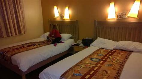 chambre hotel disneyland la chambre picture of disney 39 s hotel santa fe marne la
