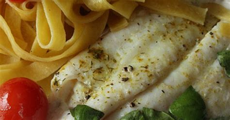 cuisiner le poisson au four comment faire cuire un filet de poisson au four ma p