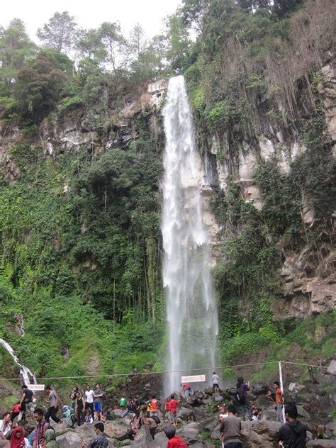 wisata alam tawangmangu tempat wisata foto gambar
