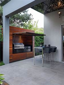 Cooking fresh is easy in modern outdoor kitchens for Outdoor patio kitchens