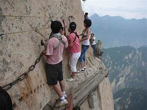 The World's Most Dangerous Hiking Trail | Bored Panda