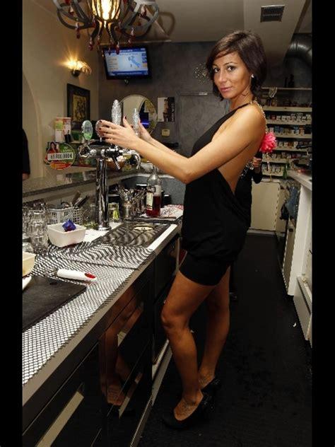 Sexy Barista Da Foto Hot A Politica Ansa San Salvatore