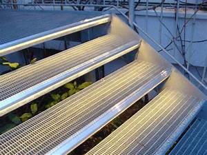Indirekte Beleuchtung Treppe : led leisten led lichtleiste lichtschlauch beleuchtung stufen indirekte beleuchtung ~ Pilothousefishingboats.com Haus und Dekorationen