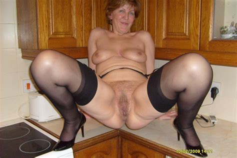 Stoc2202g In Gallery Mature Legs In Stockings And