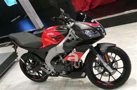 auto expo  aprilia rs  tuono    video