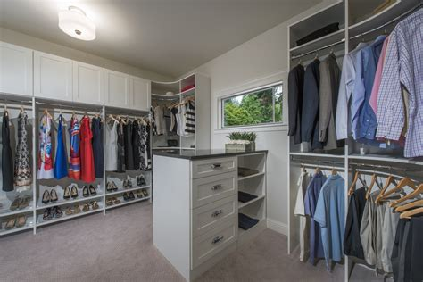 closetmaid supplies 12 deluxe closets for builder mn