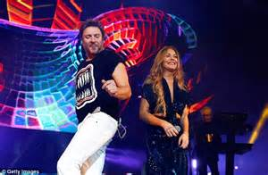 Lindsay Lohan sings along with Simon Le Bon at Duran Duran ...