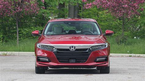 2018 Accord Hybrid Review by 2018 Honda Accord Hybrid Review Motor1 Photos