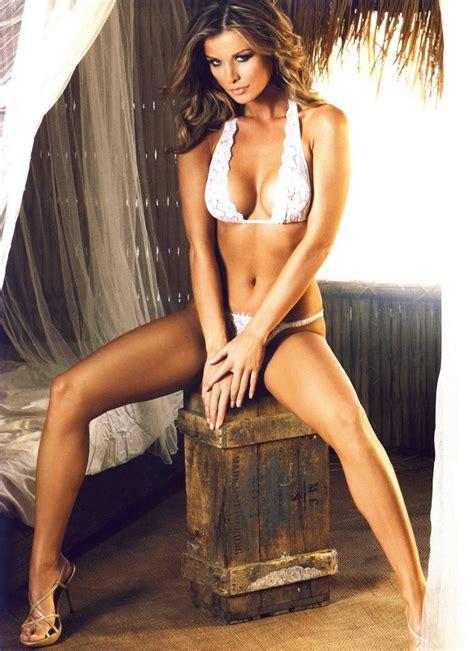Top Model Bugil Joanna Krupa Topless With Martha Krupa