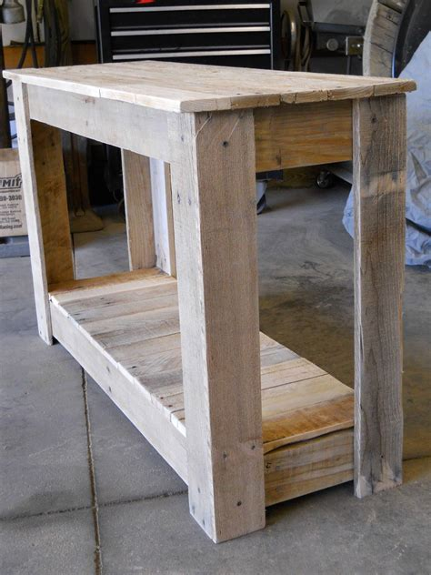 hallway pallet table  pallets