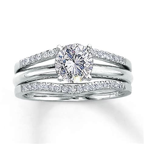 want this solitaire enhancer for my engagement ring