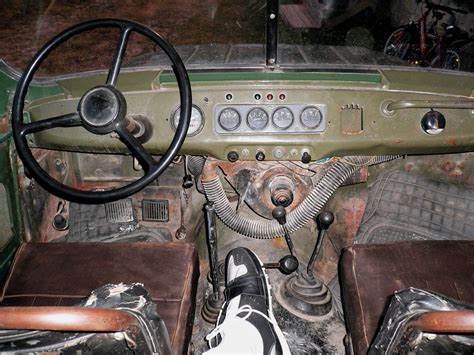 File Uaz Early Interior Floor Pedals Jpg Wikimedia Commons