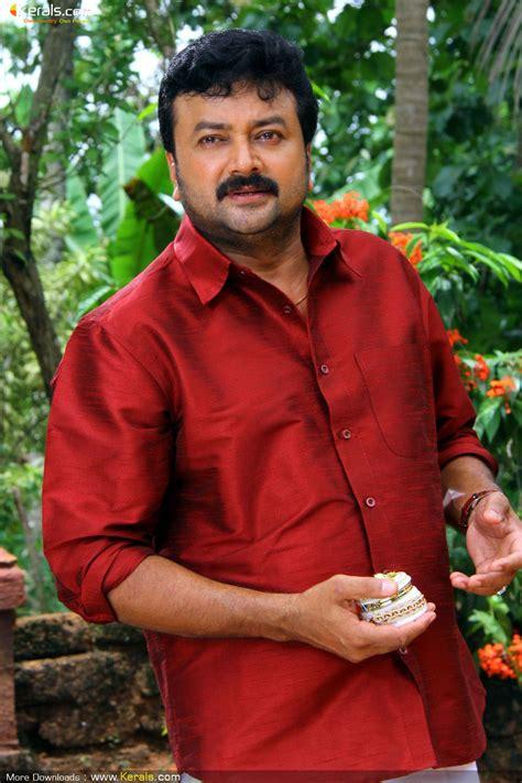 malayalam posters ulakam chuttum valibam  stills ulakam chuttum valiban  photo gallery