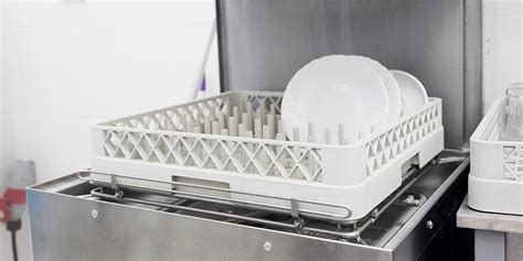 How to Choose the Best Commercial Dishwasher