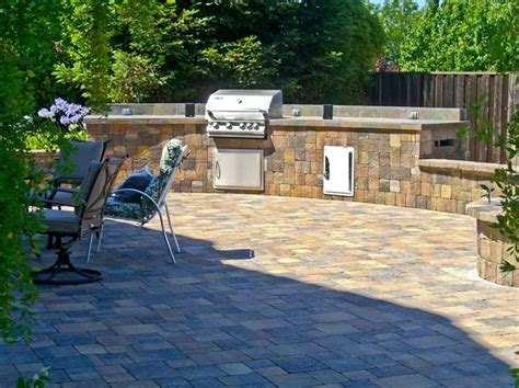 rock patio ideas paving stone patios