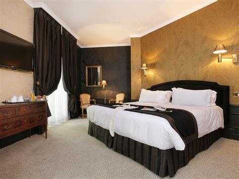 les chambres d le confort d 39 un hôtel de prestige quatre étoiles à nîmes
