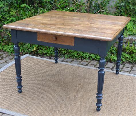 table de cuisine carr馥 table cuisine tiroir conceptions de maison blanzza com